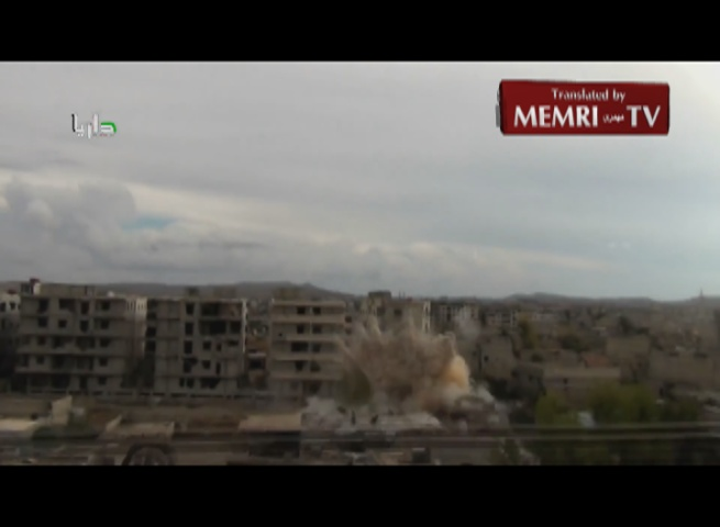 Video Captures Helicopter Dropping Barrel Bombs on Darayya, Syria