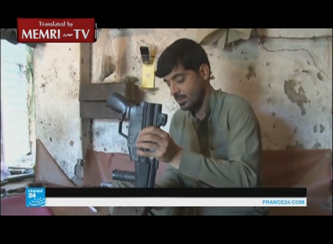 TV Report on the Weapons Trade in a Village in Pakistan: An AK-47 Goes for Less than a Smartphone